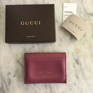 Gucci Swing pink card train pass minimal wallet